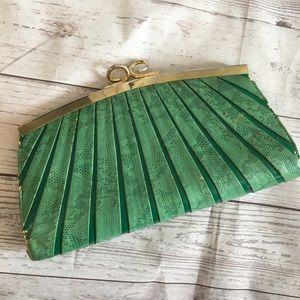 VINTAGE Green Faux Snakeskin Kisslock Clutch